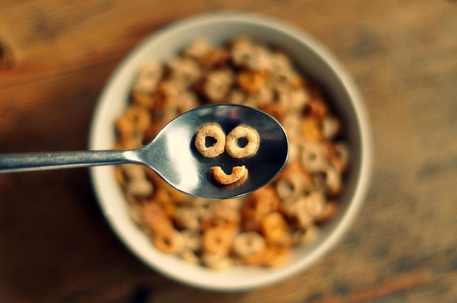 Le petit-déjeûner ça donne le sourire et de l'énergie :) (photo de cet article)