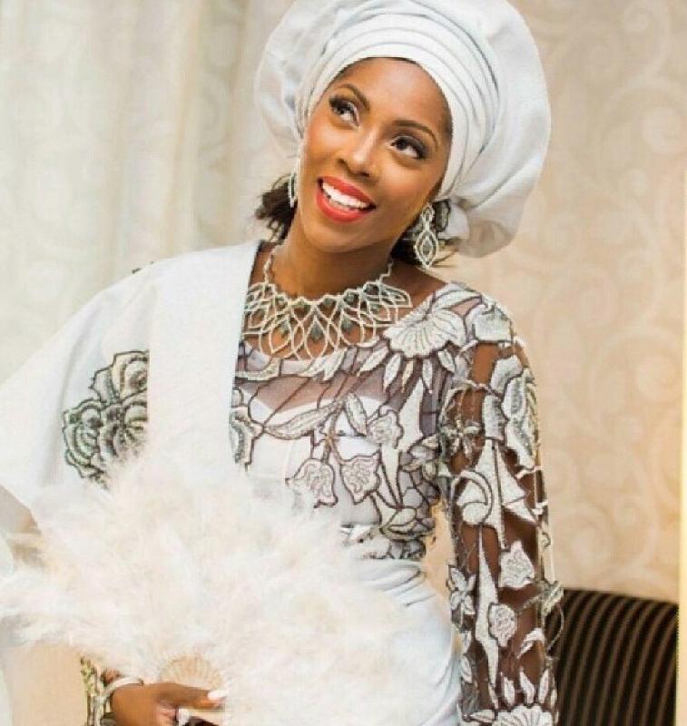 L'artiste nigériane Tiwa Savage s'est mariée à 33 ans, elle avait déjà à son actif plusieurs tubes et une belle carrière qu'elle poursuit avec son mari TJ Balogun à ses côtés