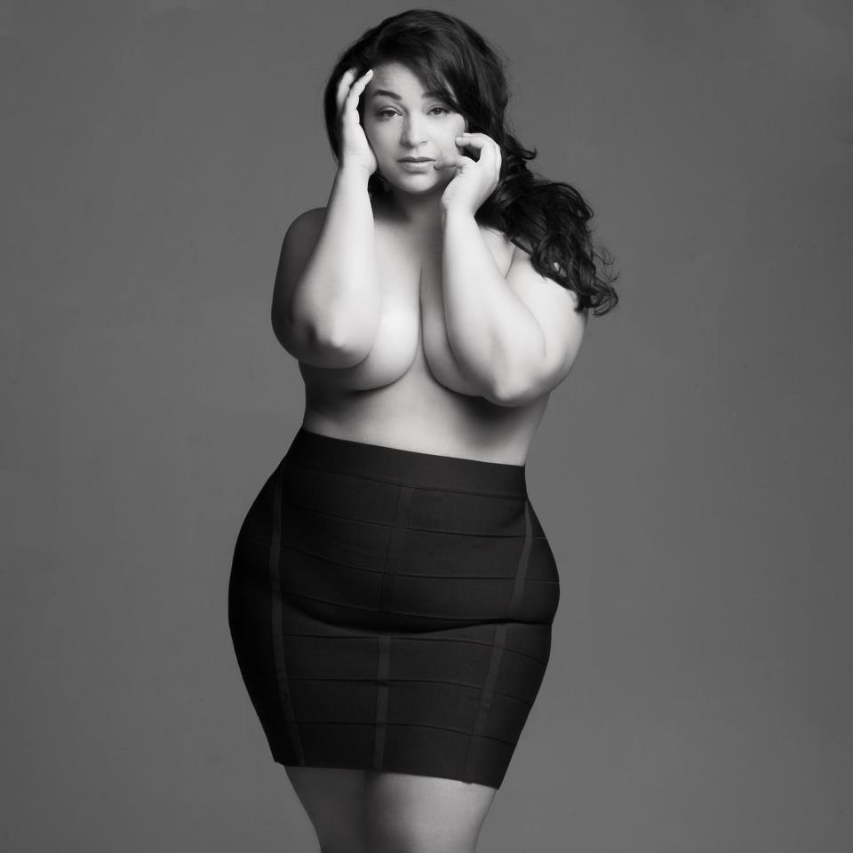 Curvy and sexy - Photo prise ici